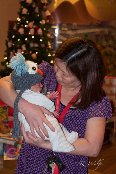 Vandi, an RMH parent, meeting Maverick.