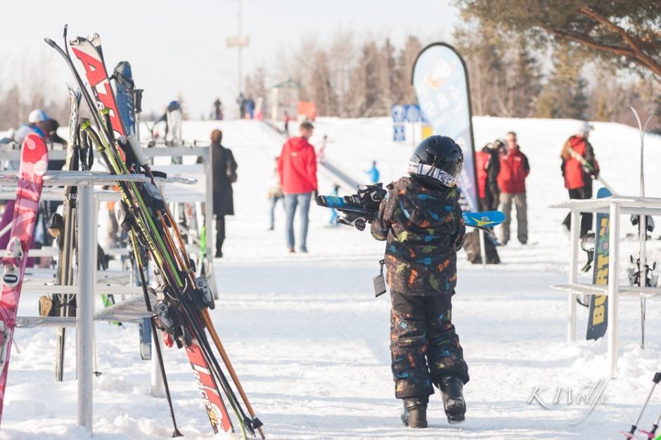 0319-skiing-010